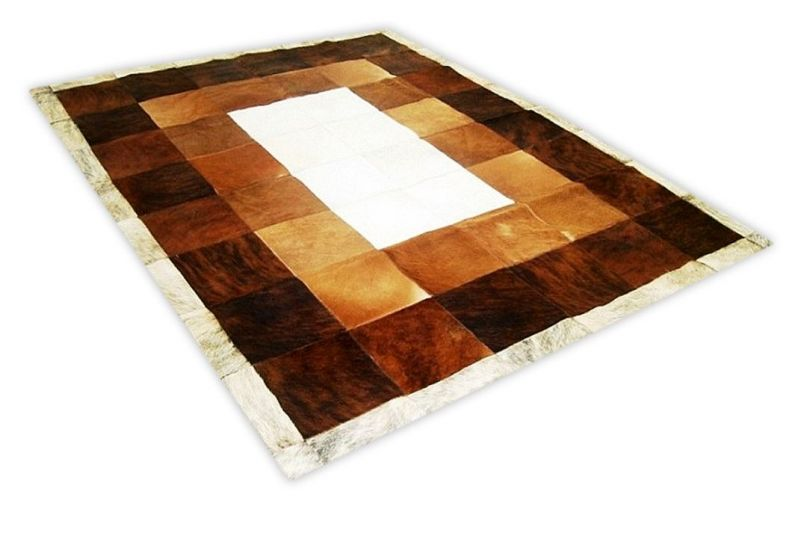 Tricolor cowhide rug with white core